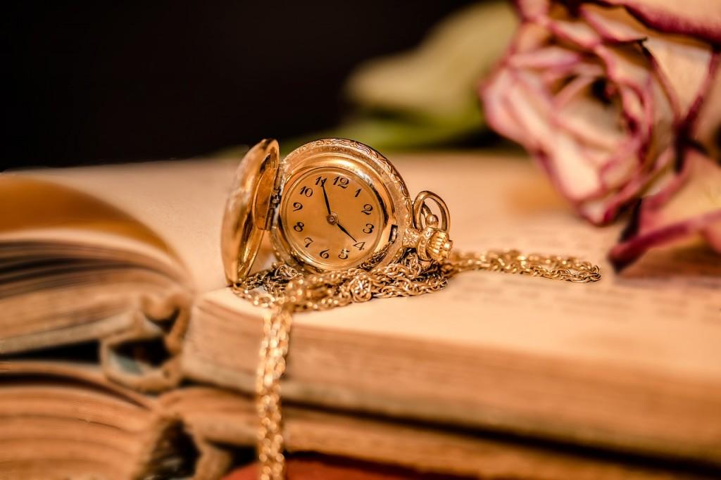 clock-chain_book