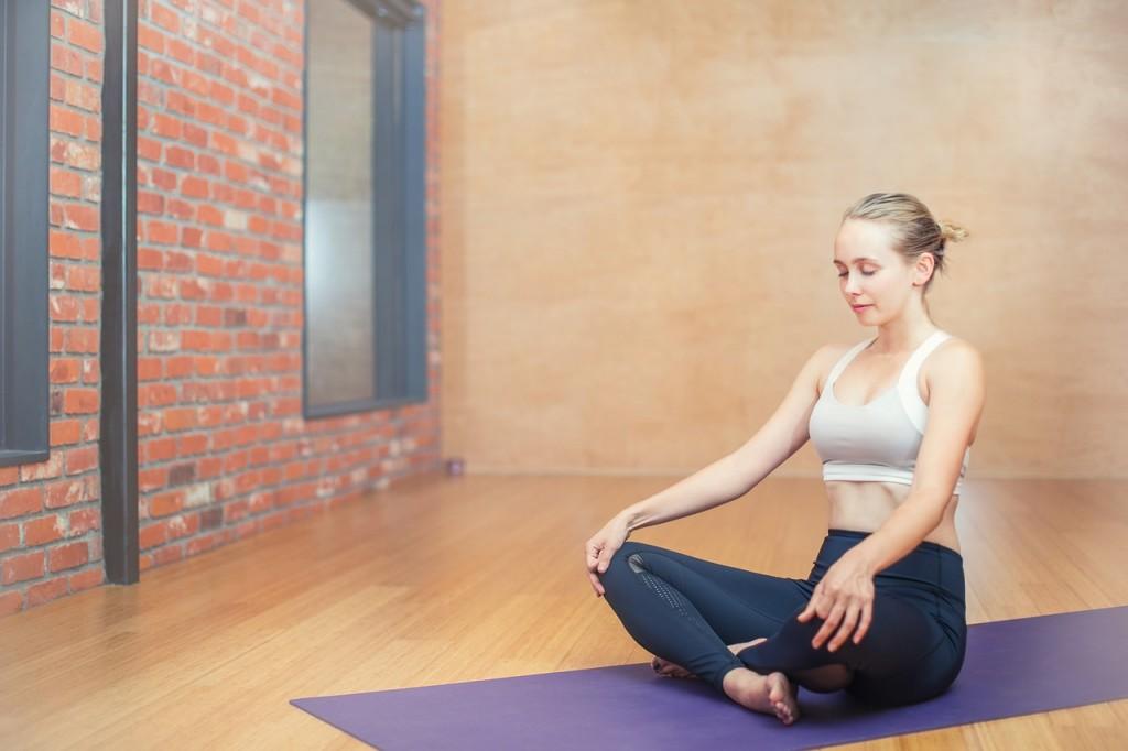woman-yoga_studio